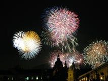 Vuurwerk over Boedapest royalty-vrije stock foto's