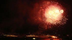 Vuurwerk over de parade van oorlogsschepen Rusland stock video