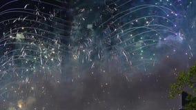 Vuurwerk over de TV-toren, Moskou, Rusland stock video