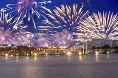 Vuurwerk over het Kremlin, Moskou, Rusland--de populairste mening van Moskou stock foto