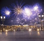 Vuurwerk over het Kremlin, Moskou, Rusland--de populairste mening van Moskou stock foto's