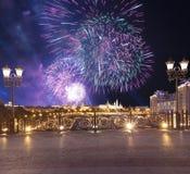 Vuurwerk over het Kremlin, Moskou, Rusland--de populairste mening van Moskou royalty-vrije stock foto