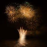 Vuurwerk over het water Stock Foto