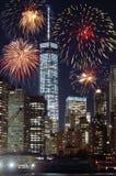Vuurwerk over NYC Stock Afbeeldingen