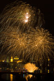 Vuurwerk over rivier Vltava Stock Foto