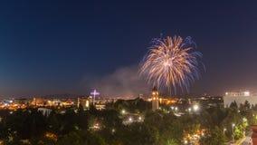 Vuurwerk over Spokane Washington stock foto's