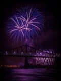 Vuurwerk over St Lawrence rivier Royalty-vrije Stock Foto's