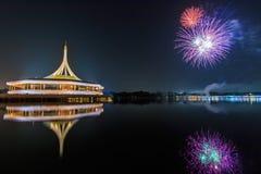 Vuurwerk in Suan Luang Rama IX, Thailand stock fotografie