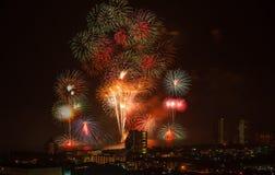 Vuurwerk van Aftelprocedure HuaHin op de vooravond van het nieuwe jaar, Thailand Stock Afbeelding