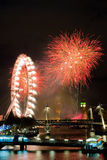 Vuurwerk van de vooravond van het nieuwe jaar Royalty-vrije Stock Foto's