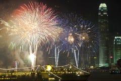 Vuurwerk van het Nieuwjaar van Hongkong het Chinese Royalty-vrije Stock Afbeeldingen