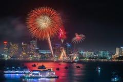 Vuurwerkfestival bij Pattaya-Strand, Thailand Royalty-vrije Stock Foto's