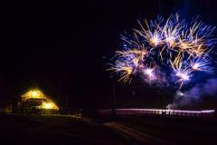 Vuurwerkfestival in de alpen stock foto's