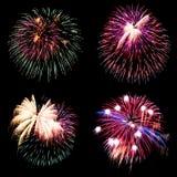 Vuurwerkinzameling en Reeks van kleurrijk vuurwerklicht op B Royalty-vrije Stock Afbeelding