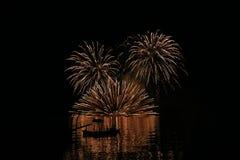 Vuurwerknacht bij Toya-meer stock fotografie