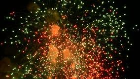 Vuurwerkvlieg in de hemel stock videobeelden