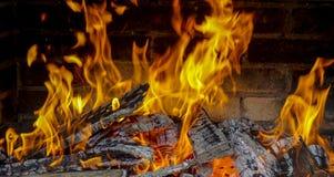 Vuurzee in de open haard Stock Foto