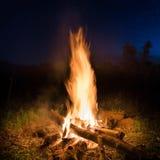 Vuurzee in oranje vuur stock afbeelding