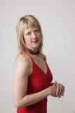 vuxen ståendekvinna arkivfoto