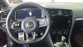 Vw打高尔夫球GTD热的舱口盖内部仪表板细节 免版税库存照片