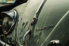 VW轮子轮胎坚果涡轮 免版税库存照片
