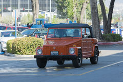 VW 181徒步旅行队吉普 免版税库存图片