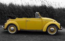 VW amarilla Imagen de archivo libre de regalías