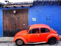 VW branchent sur table d'écoute, San Cristobal de Las Casas, Chiapas, Mexique Images libres de droits