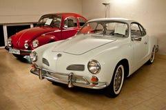 VW due in un museo dell'automobile Fotografia Stock