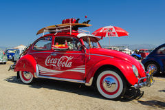VW-Käfer-Coca-Cola-Oldtimer stockfoto