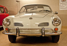 VW Karmann Ghia in een automuseum Royalty-vrije Stock Foto's