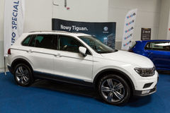 VW Tiguan visade på den 3rd upplagan av MOTO-SHOWEN i Cracow Polen Arkivbilder