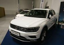 VW Tiguan wystawiał przy 3rd wydaniem MOTO przedstawienie w Krakowskim fotografia stock