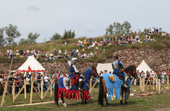 VYBORG, RUSLAND - AUGUSTUS 17, 2013: Foto van Ruitertoernooien van ridders Royalty-vrije Stock Foto's