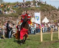VYBORG, RUSLAND - AUGUSTUS 17, 2013: Foto van Ruitertoernooien van ridders Stock Foto