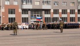 VYBORG, RUSLAND - MEI 08.2012: de Parade van de overwinningsdag Royalty-vrije Stock Afbeeldingen