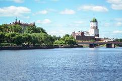 VYBORG RYSSLAND: den medeltida gamla slotten i Juni 15, 2015, LENINGRAD OBLAST, Ryssland Royaltyfri Bild