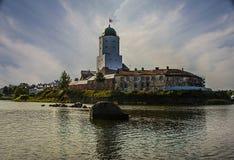 Vyborg Utrzymane cechy średniowieczny miasto St Olaf kasztel, targowy kwadrat, domy i góruje, woda i kamień obraz stock