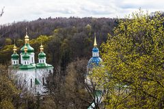 Vydubitskiyklooster in Kyiv, de Oekraïne Stock Foto