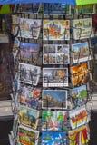 Vykort av Amsterdam - gataförsäljning - AMSTERDAM - NEDERLÄNDERNA - JULI 20, 2017 Royaltyfri Fotografi