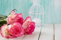 Vykort med eleganta blommor Arkivfoton
