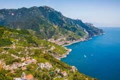 Vykortsikt av Amalfi, Amalfi kust, Campania, Italien royaltyfri fotografi