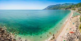 Vykortsikt av den Amalfi kusten, Campania, Italien royaltyfri foto