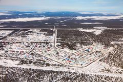 Vyngapurovsky è villaggio del ` s delle petroliere in Siberia ad ovest, vista dell'occhio del ` s dell'uccello Fotografie Stock Libere da Diritti