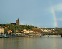 Vysehrad avec l'arc-en-ciel, Prague Photo libre de droits