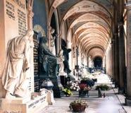 Vysehrad-Friedhofs-Kirchhof in Vysehrad, Prag lizenzfreie stockfotografie