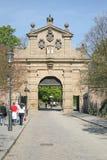 Vysehrad port Leopold Gate i PRAGUE, TJECKIEN royaltyfria bilder