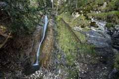 Vysny vodopad, Sokolia dolina, Slovensky raj, Slovakien royaltyfria bilder