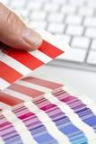 Wählen der korrekten Farbe Stockfotos