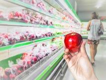 Wählen des Apfels stockbilder